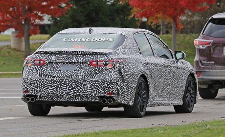 Bat gap Toyota Camry TRD 2018 chay thu nghiem - Anh 4