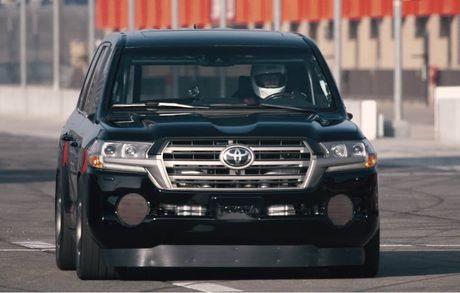 Soc voi Toyota Land Cruiser do 2000 ma luc dat 354km/h - Anh 12