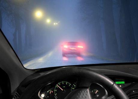 6 ky nang can thiet khi lai xe trong thoi tiet suong mu - Anh 3