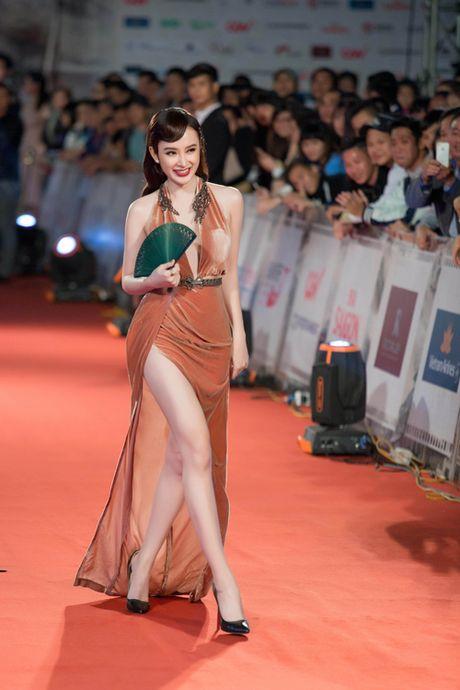 Angela Phuong Trinh bi moi khoi tham do vi mac qua bao, tao dang qua lau - Anh 3