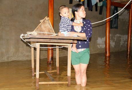 Nguoi Ha Tinh, Quang Binh lien tiep 'ganh' lu - Anh 3