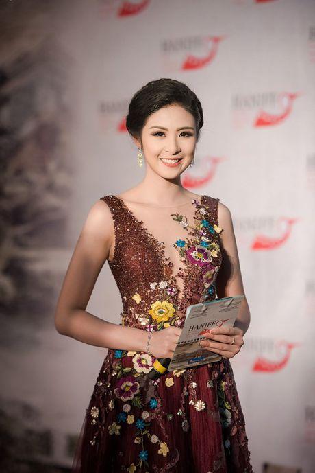 Hoa hau Ngoc Han long lay lam MC Lien hoan phim quoc te Ha Noi - Anh 1