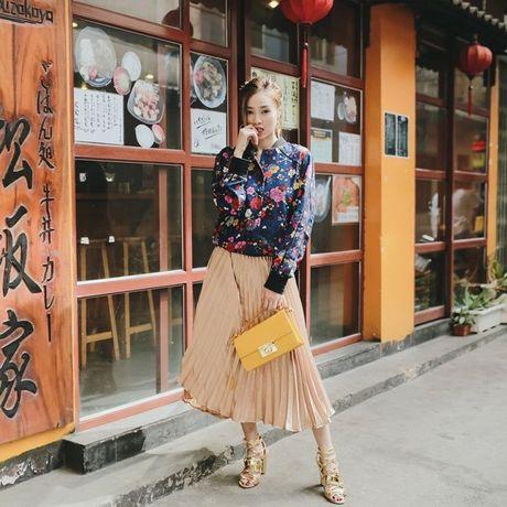 Ninh Duong Lan Ngoc khoe street style pha cach voi thoi trang thu dong - Anh 4