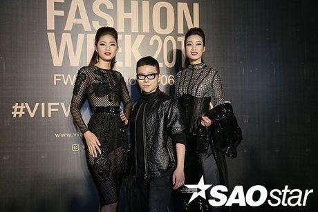 Angela Phuong Trinh chi hon 1 ty cho phu kien thoi trang tren tham do Vietnam International Fashion Week - Anh 5
