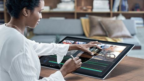Surface Studio hay MacBook Pro san pham nao phu hop cho dan van phong? - Anh 1