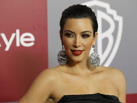 Kim Kardashian bat ngo tro lai tren Facebook - Anh 1
