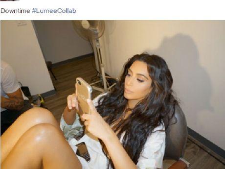 Kim Kardashian bat ngo tro lai tren Facebook - Anh 2