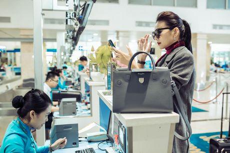 Thanh Hang phoi do ca tinh voi phu kien 400 trieu dong - Anh 4