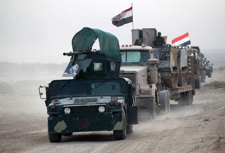 IS tham bai truoc quan doi Iraq tai Mosul - Anh 1