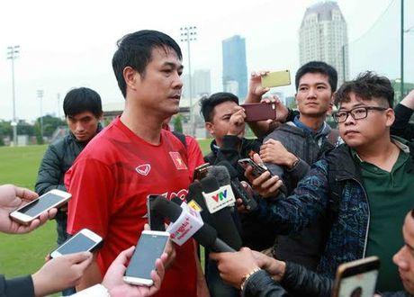 Huu Thang va 'loi thach' tu U19 Viet Nam - Anh 1