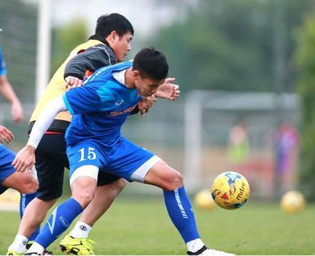 Huu Thang va 'loi thach' tu U19 Viet Nam - Anh 2