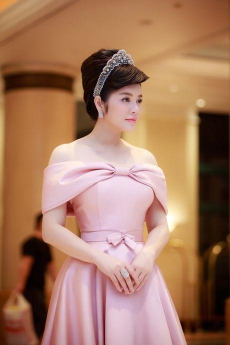 Ly Nha Ky doi vuong mien kim cuong 21 carat gia 10 ty - Anh 5