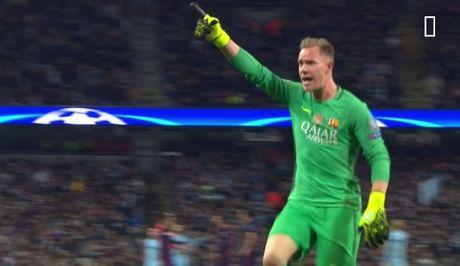 Man City bi to thang 'xau xi' nho ban tay nho Aguero - Anh 5