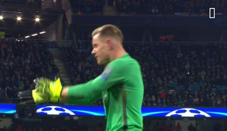 Man City bi to thang 'xau xi' nho ban tay nho Aguero - Anh 6