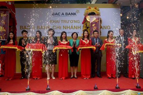 BAC A BANK khai truong chi nhanh tai Bac Giang - Anh 1