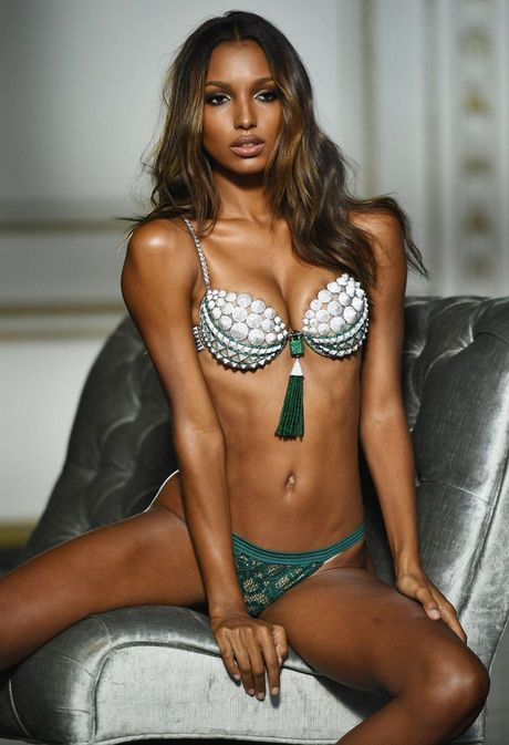 [Anh]: Can canh ao lot 3 trieu do la My gan da quy cua Victoria's Secret - Anh 4