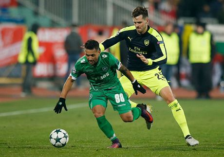 Toan canh man loi nguoc dong cua Arsenal truoc Ludogorets - Anh 1