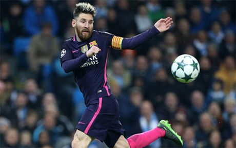 The thao 24h: Messi lap ky luc 'khung' o san choi Champions League - Anh 1