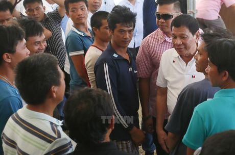 Tong thong Philippines du su kien tra tu do ngu dan Viet Nam - Anh 1