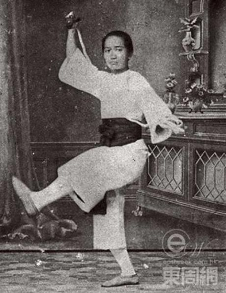Doi that tham khoc cua bac thay kungfu Hoang Phi Hong - Anh 2