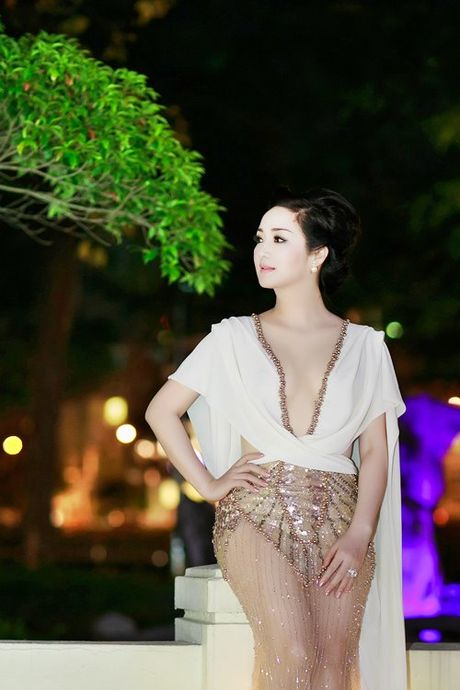 7 chiec vay nong bong 'gay bao' o cac ky LHP Viet - Anh 8