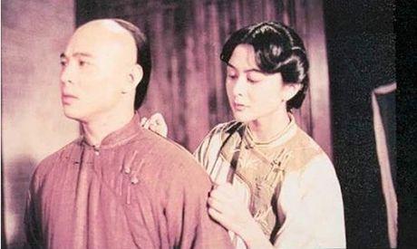 He lo hong nhan tri ky cua Hoang Phi Hong ngoai doi va tren phim - Anh 5