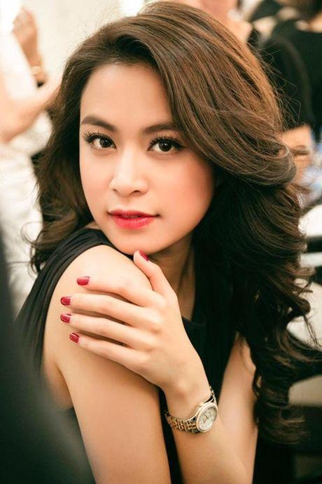 Hoang Thuy Linh goi cam tot do khi tro lai Lan song xanh sau 9 nam - Anh 4