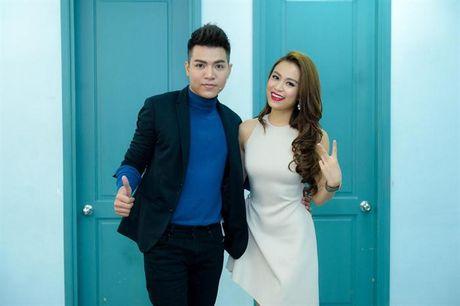 Hoang Thuy Linh goi cam tot do khi tro lai Lan song xanh sau 9 nam - Anh 8