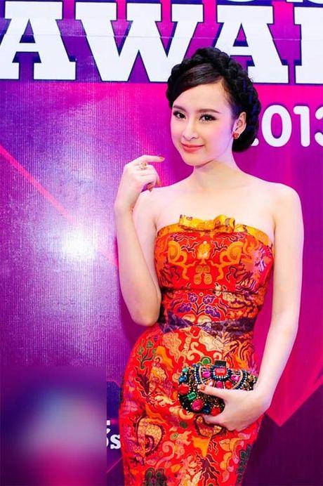 Angela Phuong Trinh lai 'ho bao' cung nu trang tien ty - Anh 11