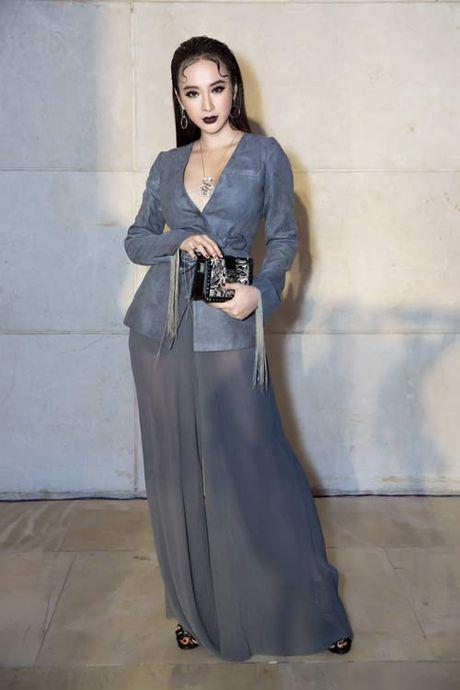 Angela Phuong Trinh lai 'ho bao' cung nu trang tien ty - Anh 2