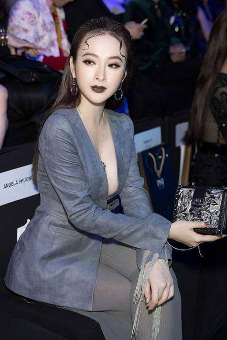 Angela Phuong Trinh lai 'ho bao' cung nu trang tien ty - Anh 3