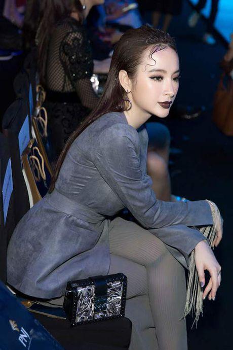 Angela Phuong Trinh lai 'ho bao' cung nu trang tien ty - Anh 4