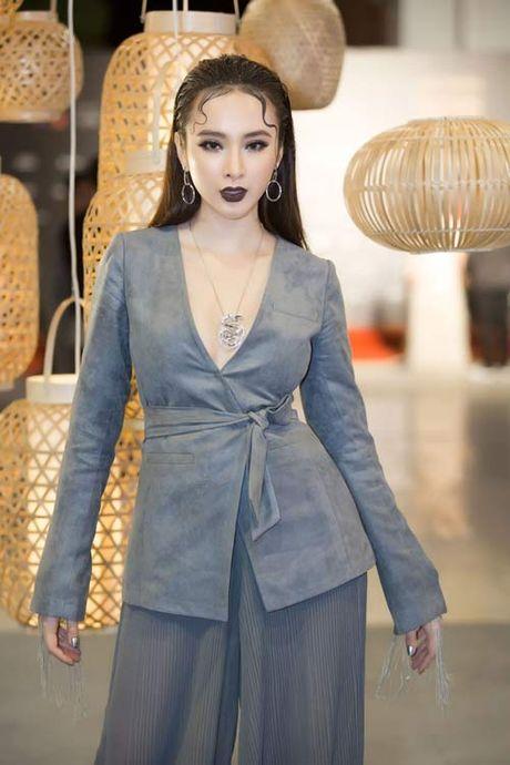 Angela Phuong Trinh lai 'ho bao' cung nu trang tien ty - Anh 6