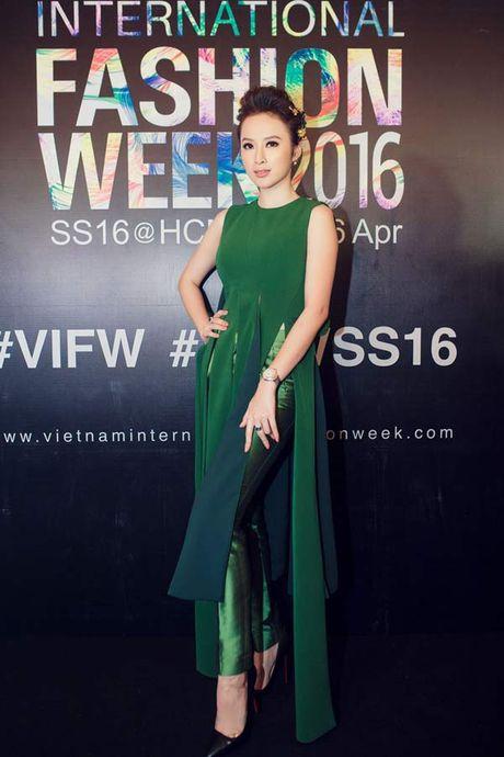 Angela Phuong Trinh lai 'ho bao' cung nu trang tien ty - Anh 8