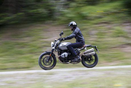 BMW R nineT Scrambler - Doi thu 'cung dau' cua Ducati Scrambler - Anh 6