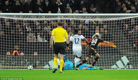 Tottenham 0-1 Leverkusen: Tham hoa o Wembley - Anh 4