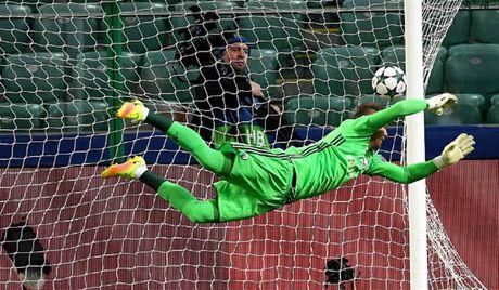 Ronaldo 'tit ngoi' trong tran hoa 6 ban thang cua Real - Anh 2