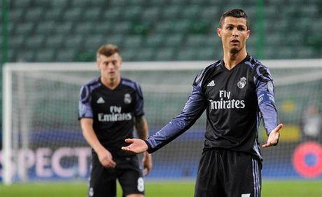 Ronaldo 'tit ngoi' trong tran hoa 6 ban thang cua Real - Anh 6