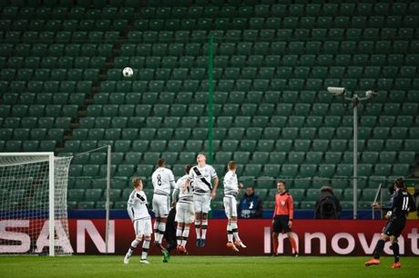 5 diem nhan sau tran Legia Warsaw 3-3 Real Madrid - Anh 3