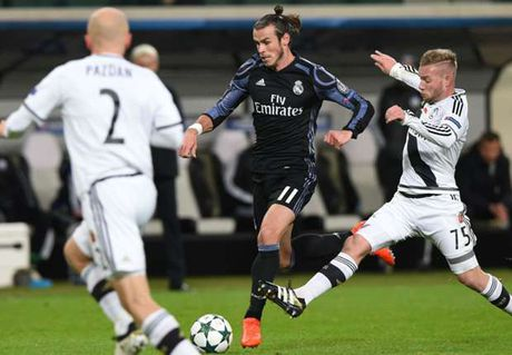 Diem tin sang 03/11: Real, Leicester dong loat lap ki luc; Zidane chi trich hoc tro - Anh 1