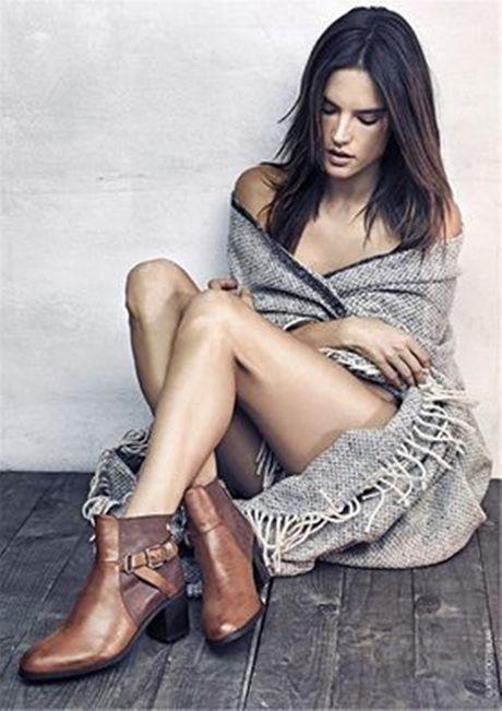 Alessandra Ambrosio lai khien CDV bong da ngan ngo - Anh 9