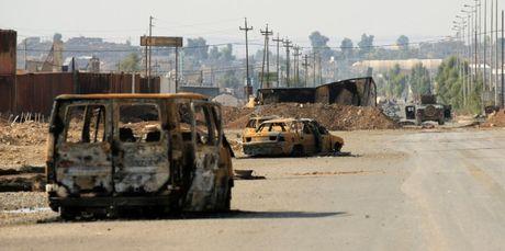 Mosul hung nhieu vu no lon sau bai phat bieu cua Baghdadi - Anh 1