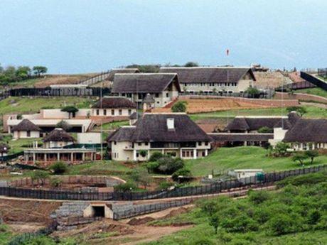 Tong thong Nam Phi vuong nghi an tham nhung - Anh 2