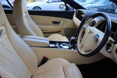 'Bau vat' Bentley Continental GT Speed cua CR7 duoc ban dau gia - Anh 3