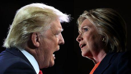 Ba Clinton tu giang 'the co tan' de ong Trump vuot mat? - Anh 1