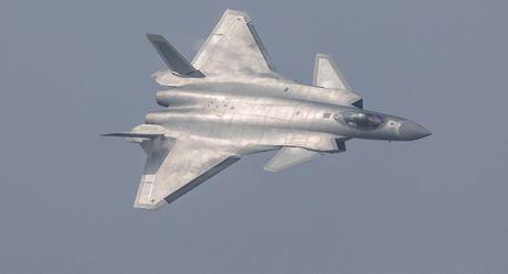 Tiem kich J-20 cua Trung Quoc bi nghi 'nhai' thiet ke may bay Nga - Anh 1