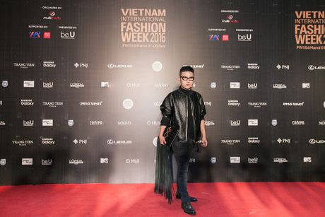 Rung sao Viet hoi tu long lay tren tham do Vietnam International Fashion Week 2016 - Anh 14