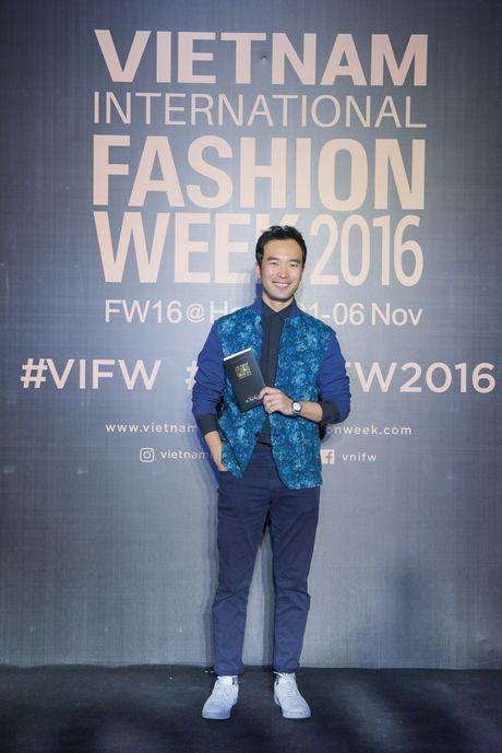 Rung sao Viet hoi tu long lay tren tham do Vietnam International Fashion Week 2016 - Anh 15