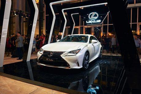 Lexus dong hanh cung su kien thoi trang uy tin nhat trong nam - Anh 1