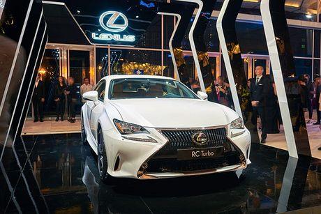 Lexus dong hanh cung su kien thoi trang uy tin nhat trong nam - Anh 2